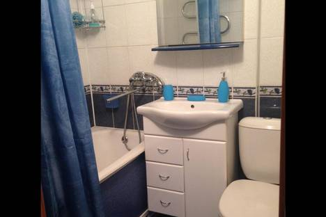 Сдается 1-комнатная квартира посуточно в Бийске, ул. Петрова, 6.