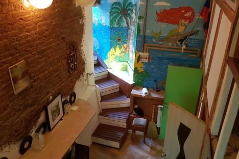 Сдается 3-комнатная квартира посуточно, Макарова 16/2б.
