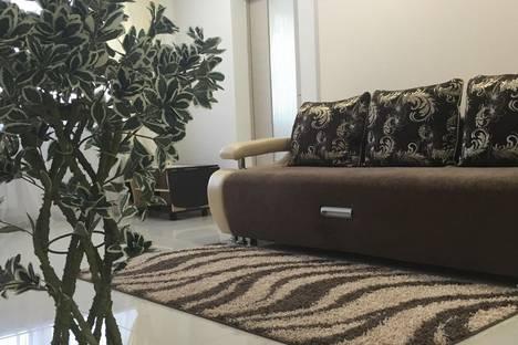 Сдается 2-комнатная квартира посуточно в Норильске, Орджоникидзе 10.