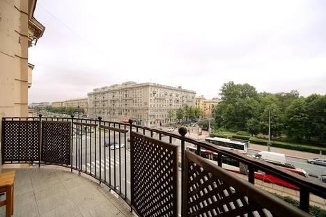 Сдается 3-комнатная квартира посуточнов Санкт-Петербурге, Московский проспект, 155.