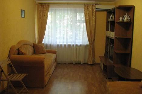 Сдается 2-комнатная квартира посуточно в Партените, Солнечная, дом 1.