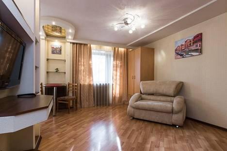 Сдается 1-комнатная квартира посуточно в Челябинске, Воровского, 17А.