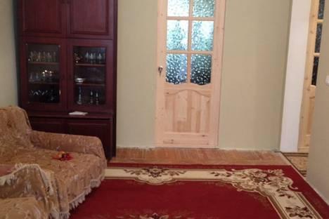 Сдается 3-комнатная квартира посуточнов Гагре, Абазгаа, 41.