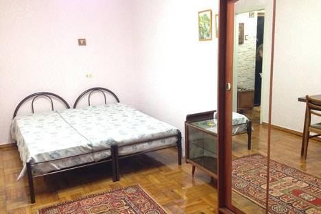 Сдается 1-комнатная квартира посуточнов Сухуме, Гумская, 2.