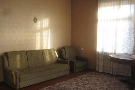Сдается 4-комнатная квартира посуточнов Сухуме, Армейская, 10.