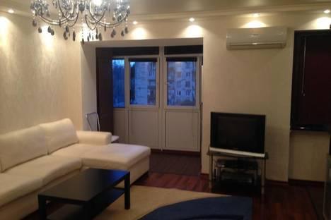 Сдается 2-комнатная квартира посуточнов Сухуме, Квициния, 2.