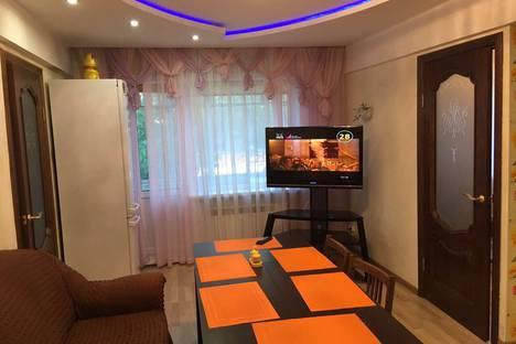 Сдается 3-комнатная квартира посуточно в Иркутске, ул. Депутатская, 108.