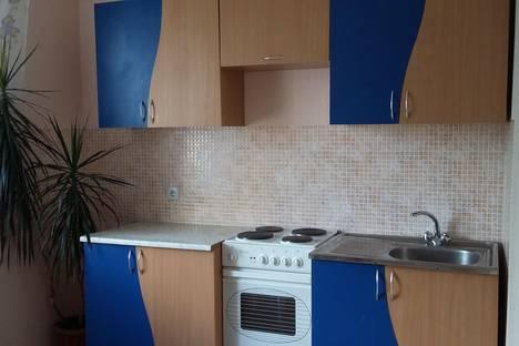 Сдается 1-комнатная квартира посуточно, Стахановская 6.