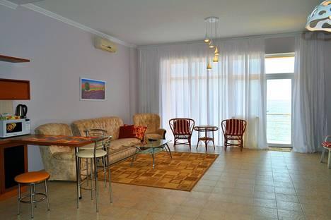 Сдается 2-комнатная квартира посуточно в Ялте, Отрадная 4.