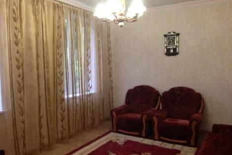 Сдается 3-комнатная квартира посуточнов Днепродзержинске, Костельная, 4.