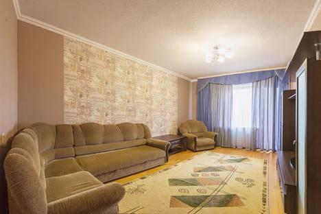 Сдается 2-комнатная квартира посуточнов Кургане, Криволапова 13а.