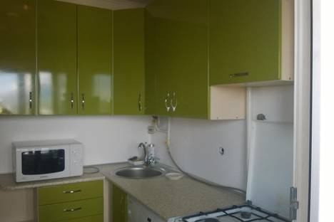 Сдается 2-комнатная квартира посуточно в Алуште, Октябрьская ул., 26.