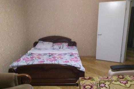 Сдается 4-комнатная квартира посуточнов Богучаре, военный городок нп43.