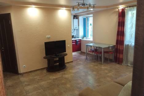 Сдается 2-комнатная квартира посуточно в Симферополе, Набережная 85.