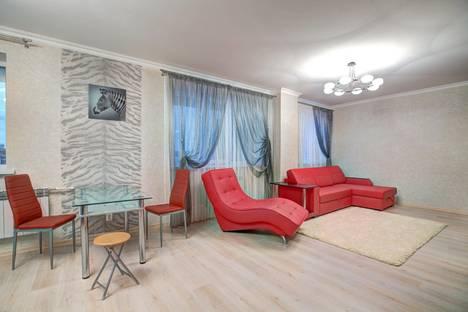 Сдается 1-комнатная квартира посуточно, Фридриха Энгельса 5а.