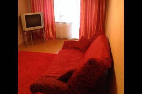 Сдается 2-комнатная квартира посуточнов Серове, ул. Короленко, 27.