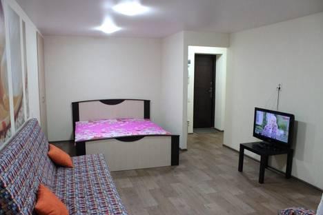 Сдается 1-комнатная квартира посуточнов Кирове, Московская, 40.