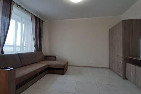Сдается 2-комнатная квартира посуточно, ул. Композиторов, 18.