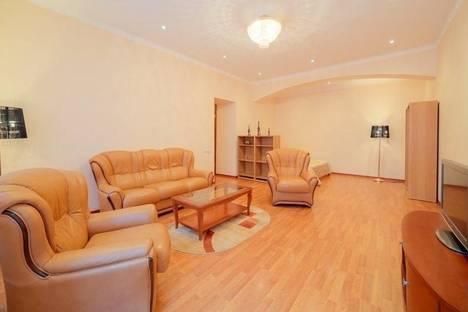 Сдается 3-комнатная квартира посуточнов Санкт-Петербурге, Большая Морская, 21.
