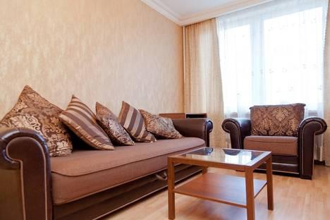 Сдается 2-комнатная квартира посуточнов Лобне, Новый Арбат, 22.