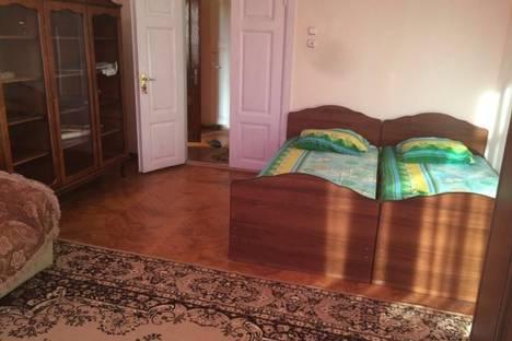 Сдается комната посуточно в Сухуме, Колмыкова, 22.
