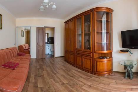 Сдается 3-комнатная квартира посуточно в Алуште, ленина, 1.