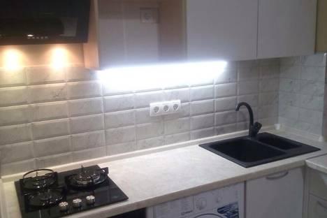Сдается 2-комнатная квартира посуточно в Алуште, Ул. Парковая,6.