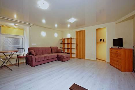 Сдается 1-комнатная квартира посуточно, ул. Гончарная, 7.