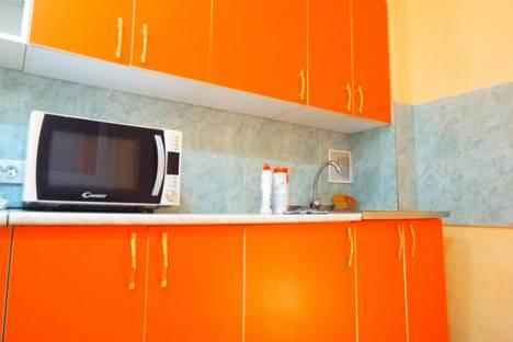 Сдается 3-комнатная квартира посуточно в Тюмени, Холодильная,дом 14.