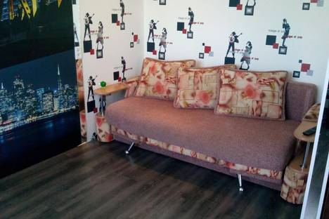 Сдается 1-комнатная квартира посуточнов Серове, ул. Луначарского, д120.