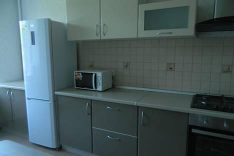 Сдается 2-комнатная квартира посуточнов Балакове, ул. Проспект Героев, 2 Б.