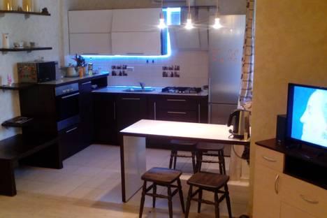 Сдается 3-комнатная квартира посуточно в Кирове, ул. Карла Либкнехта, 6.
