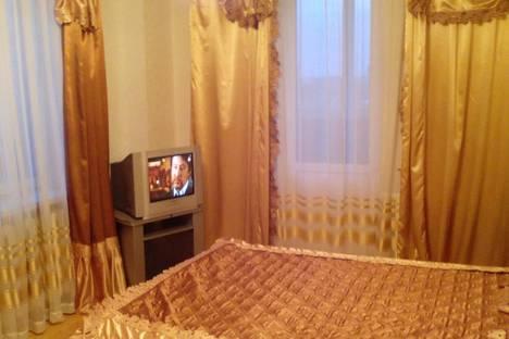 Сдается 3-комнатная квартира посуточно в Кирове, Преображенская 82к1.