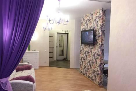 Сдается 1-комнатная квартира посуточнов Кирове, улица Свободы, 130к2.