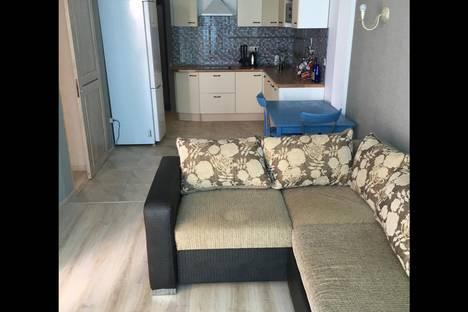Сдается 2-комнатная квартира посуточнов Сочи, ул. Ленина, 219/21.