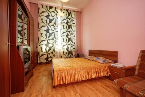 Сдается 1-комнатная квартира посуточно в Санкт-Петербурге, ул. Брянцева, 7 к.1.