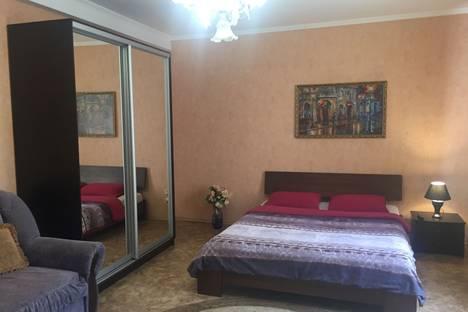 Сдается 3-комнатная квартира посуточно в Симферополе, Бульвар Ленина, 3.