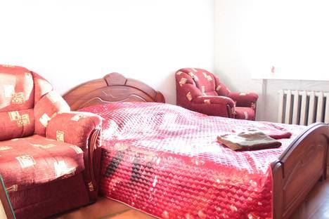 Сдается 2-комнатная квартира посуточно, Ленина, 3а.