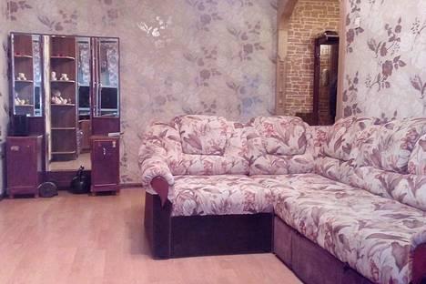 Сдается 2-комнатная квартира посуточнов Санкт-Петербурге, ул. Краснопутиловская, 90.