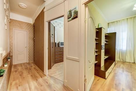 Сдается 2-комнатная квартира посуточнов Санкт-Петербурге, Мытнинская улица, 16.