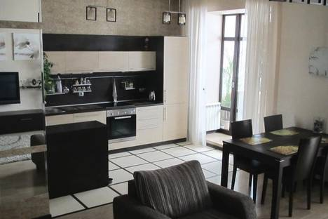 Сдается 2-комнатная квартира посуточно в Новосибирске, ул. Романова, 60.