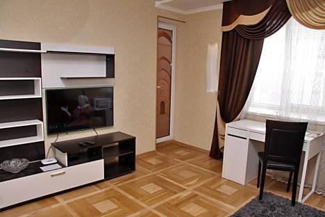 Сдается 2-комнатная квартира посуточно, Кирова, 141.