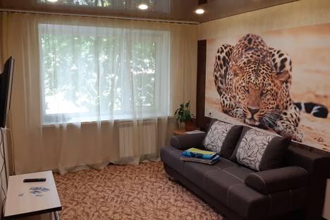 Сдается 3-комнатная квартира посуточно в Барнауле, ул. Матросова, 7А.