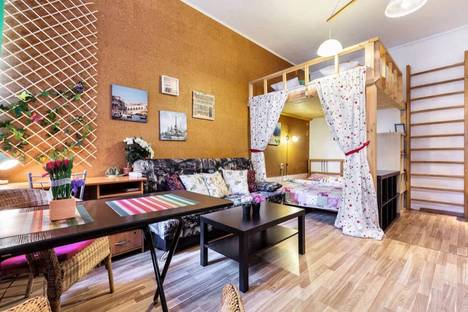 Сдается 1-комнатная квартира посуточнов Ломоносове, улица 11 линия В.О., дом 44.