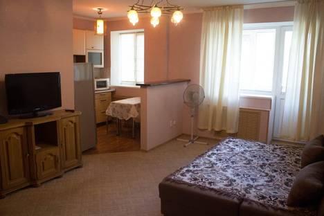Сдается 1-комнатная квартира посуточно в Уральске, Достык 219.