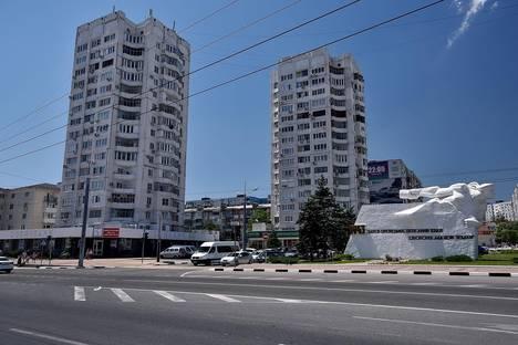 Сдается 2-комнатная квартира посуточнов Крымске, проспект Ленина, 9а.