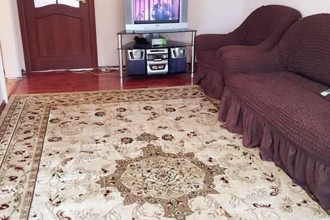 Сдается 2-комнатная квартира посуточно в Уральске, Курмангазы 175.
