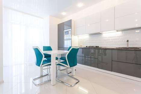 Сдается 2-комнатная квартира посуточно в Калининграде, ул. Горького, 96.