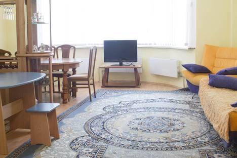Сдается 2-комнатная квартира посуточно в Уральске, Маметова 111.