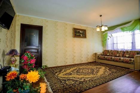 Сдается 2-комнатная квартира посуточно в Уральске, Мухита 46.